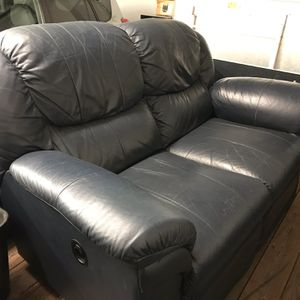 La-Z-Boy Recliner (FREE Delivery) for Sale in Vancouver, WA