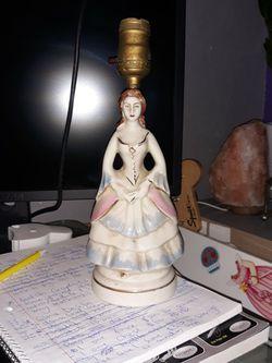 Vintage Porcelain Renaissance Lady Lamp for Sale in Martinez,  CA