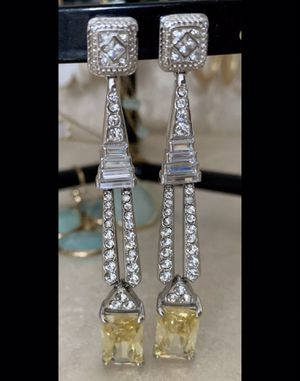 Glamorous Earrings Yellow Diamonds Style. Pendants for Sale in West Palm Beach, FL