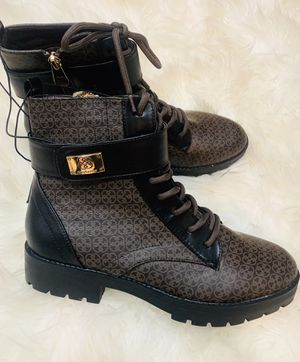 Very Stylish a Ladies Winter Boots size 8.5 NEW for Sale in Laurel, MD
