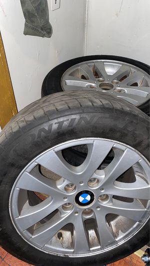 E90 BMW STOCK RIMS WITH TIRES for Sale in Brooklyn, NY