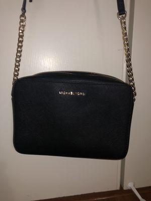 Michael kors side bag for Sale in Fremont, CA