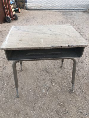 Kids desk for Sale in Apple Valley, CA