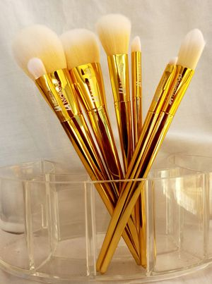 7 pcs LA makeup collection. beauty makeup brush tools. for Sale in Los Angeles, CA