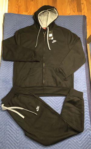 Nike sweatsuit size 3xl for Sale in Bloomfield, NJ