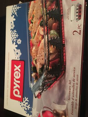 Pyrex Serveware Set for Sale in Rocky River, OH