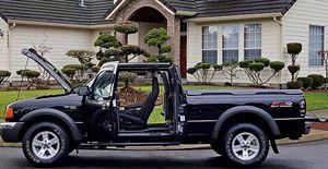 ֆ12OO Ford Ranger 4WD for Sale in Saginaw, TX