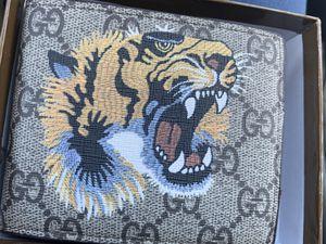 Gucci Beige GH Supreme Tiger Wallet Authentic for Sale in El Paso, TX