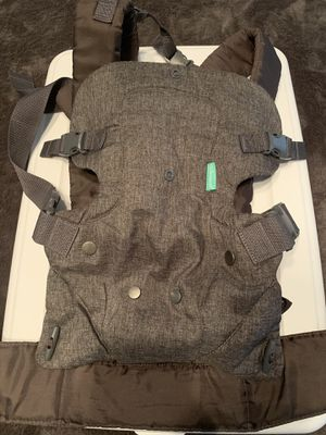 Baby carrier for Sale in Dallas, TX