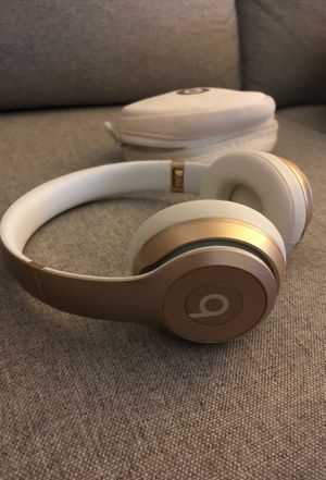 Wireless Beats Solo - Gold for Sale in Sterling, VA
