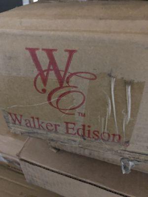 """Walker Edison 70"""" TV Stand Traditional Brown for Sale in Travelers Rest, SC"""