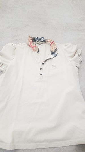Womans burberry polo for Sale in Corona, CA