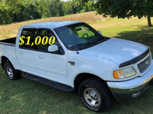 🔑$1,OOO I'm seling URGENTLY 🔑2OO2 Ford F-15O Super Crew Cab 4-Door Runs and drives very smooth Clean Title🔑🔑🔑 for Sale in Arlington, VA