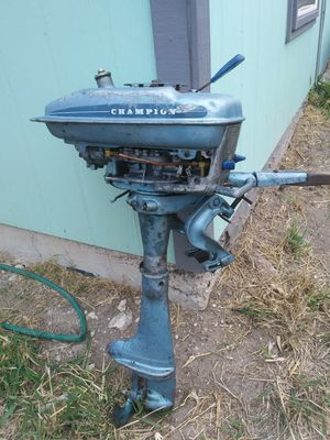Antique fishing motor for Sale in Mercedes, TX