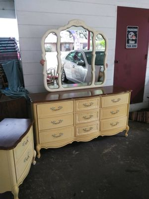 Nice solid wood BASSETT 9 DRAWER FRENCH PROVINCIAL DRESSER WITH mirror and NIGHTSTAND FCFS NO DELIVERY for Sale in Lakeland, FL