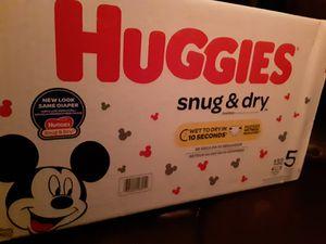 huggies snug n dry 132 ct sz 5 30$ obo for Sale in Las Vegas, NV