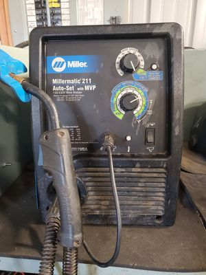 Miller Millermatic 211 w/ Auto-set and MVP 110v/220v for Sale in Granite Falls, WA