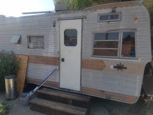 Trailer sleeps 2 people for Sale in Pomona, CA