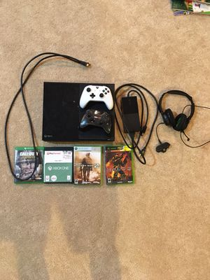 Xbox One Complete Set / Controllers / Games Call of Duty / Headphones Turtle Beach EarForce XO ONE for Sale in Apex, NC