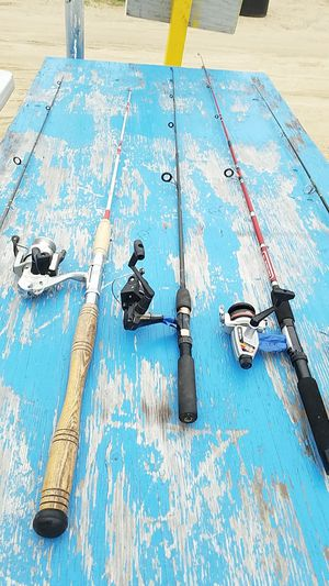 5 fishing poles w reels for Sale in Manchester Township, NJ