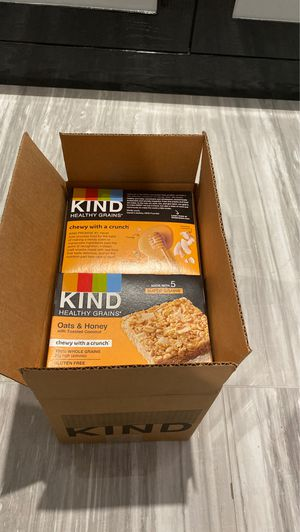 Kind healthy grain snacks , case with 8 boxes of 5 bars each for Sale in Queens, NY