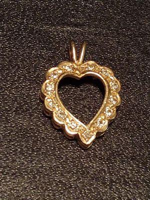 14K GOLD & DIAMOND HEART PENDANT for Sale in Tampa, FL