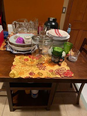 Bar height table with chairs for Sale in Mount Vernon, NY