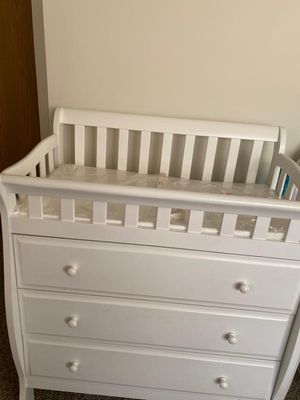 Changing table with dresser for Sale in DeKalb, IL