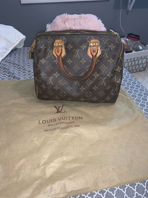 LOUIS VUITTON BAG for Sale in Chesterland, OH