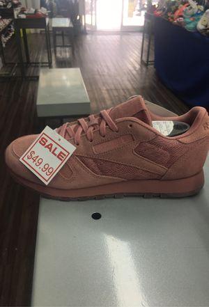 Reebok for women sizes 6, 9,9.5,10 for Sale in Miami, FL