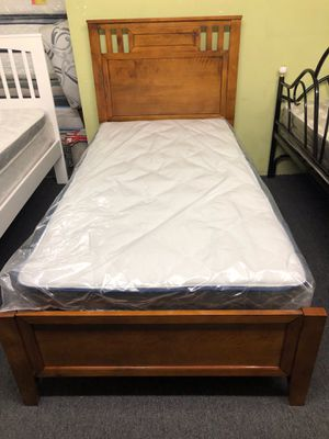 Twin bed set for Sale in Los Angeles, CA