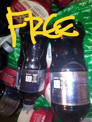 MEDIUM UHAUL BOX FULL OF FREE for Sale in Federal Way, WA