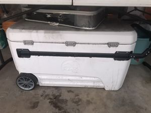 Ginormous cooler for Sale in Los Angeles, CA