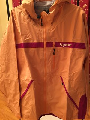 Supreme taped seam jacket ss17 XL for Sale in MONTGOMRY VLG, MD