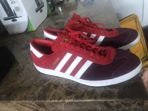 Shush 9 Adidas for Sale in Tampa, FL