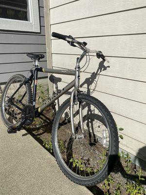 Giant Bike ALUMINUM 26x for Sale in Tacoma, WA
