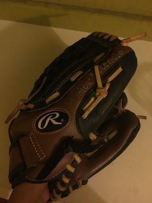 Rawlings Softball/Baseball Glove for Sale in Phoenix, AZ