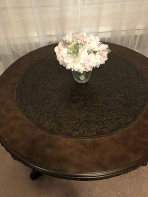 Ashley furniture set of 3 coffee tables for Sale in Yonkers, NY