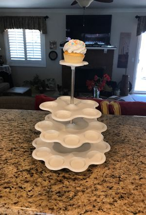 Cupcake holder. for Sale in San Dimas, CA