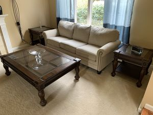 6-Piece Living Room Set by Signature Design Ashley LIKE NEW! for Sale in BELLEVUE, WA