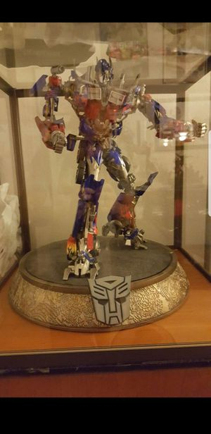 Sideshow Collectibles Optimus Prime Exclusive Statue for Sale in National City, CA