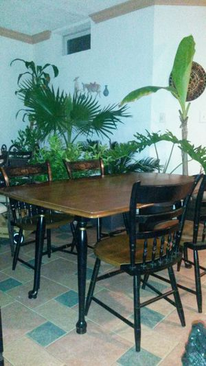 Beautiful solid wood antique dining set for Sale in Silver Spring, MD