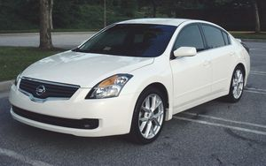 2 12V DC Power Outlets 2007 Nissan Altima 3.5 S for Sale in Alexandria, VA