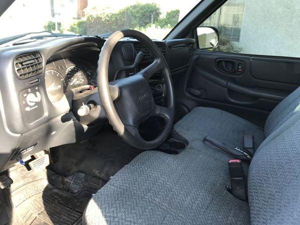 2002 GMC Sonoma Regular Cab