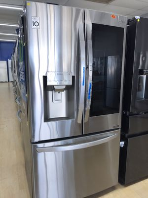 Brand new stainless steel refrigerator with insta view for Sale in Houston, TX
