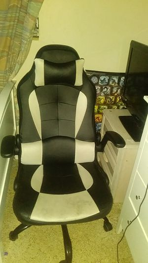 Gaming chair for Sale in Sarasota, FL