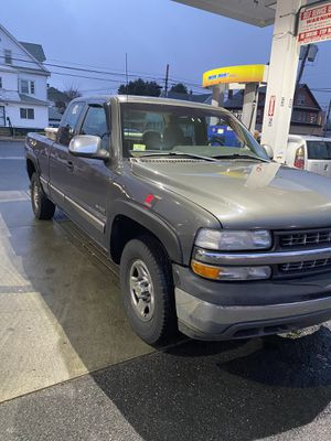 2003 Chevy Silverado 4x4 for Sale in Ludlow, MA