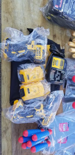 Dewalt 20v XR hammer drill and 3 speed impact kit for Sale in Tampa, FL