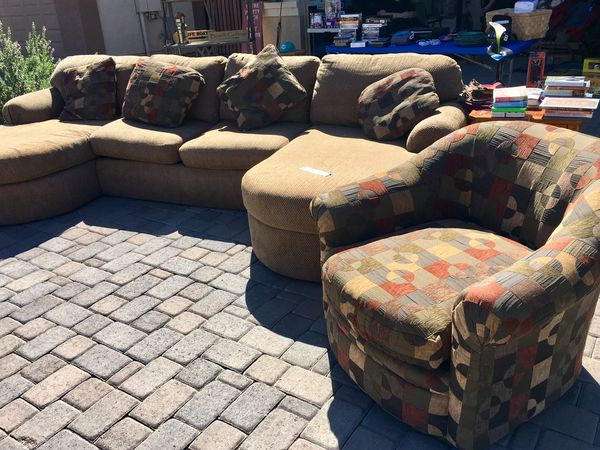 Sofa/accent chair obo. Matching pillows