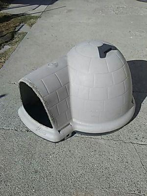 Small house for dog for Sale in San Bernardino, CA